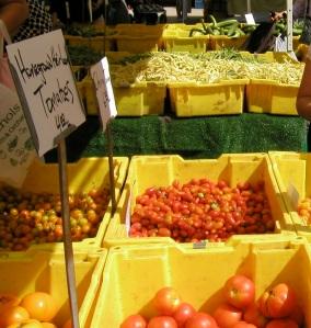 Chicago Farmers Market illustrate Fall abundance