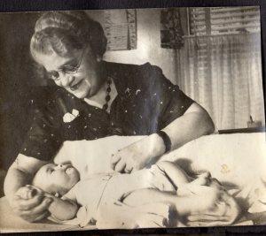 1943_grandma r