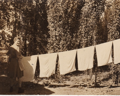 1944_Denver_Washing diapers